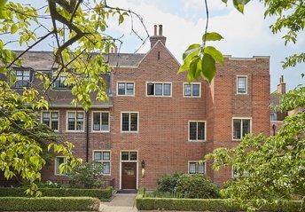 2 Bedroom Apartment For Sale in 12 King Edward VII Estate ...