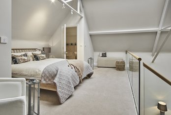 Mezzanine Apartment Sold in King Edward VII Estate - view 5
