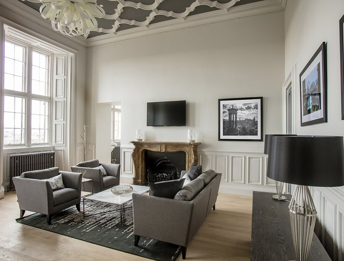 Mezzanine Apartment For Sale in Donaldson's - view 1