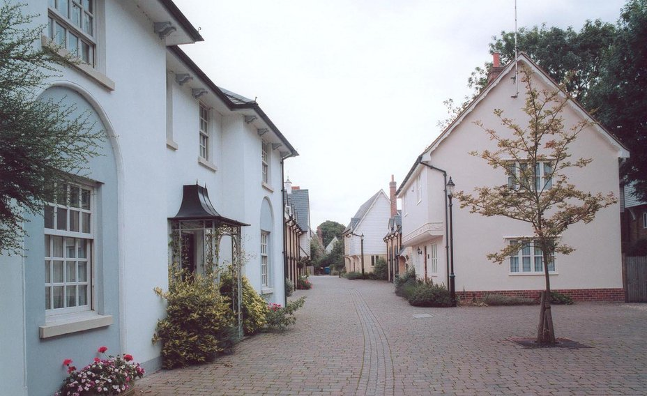 Coach_House_walk_way_and_houses