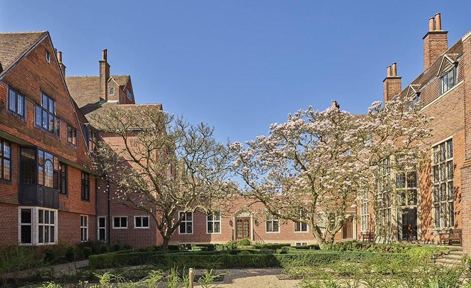 King_Edward_VII_Estate_The_Courtyard